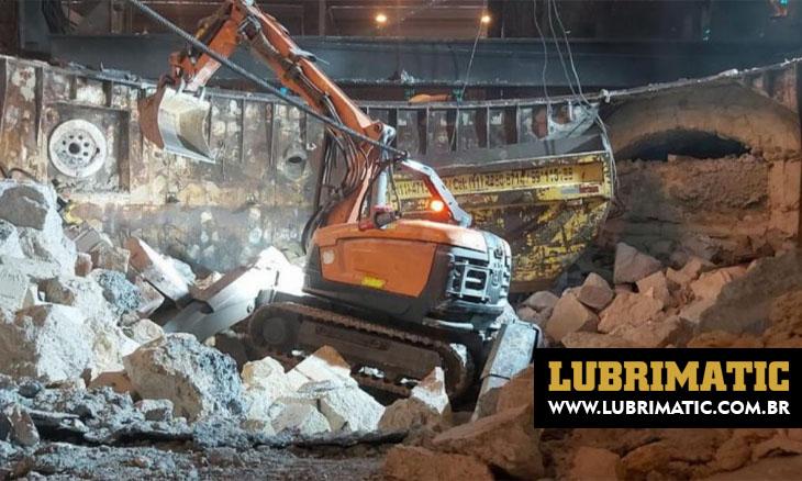 Robôs proporcionam segurança e produtividade na demolição e limpeza de fornos